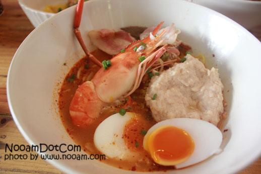 รีวิว ร้าน Debo Cafe and Room ก๋วยเตี๋ยวต้มยำอร่อยๆ เลือกท็อปปิ้งได้ตามใจ ที่ซอยหัวหิน 37