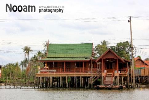 รีวิว พาเที่ยวเกาะเกร็ด นนทบุรี หมู่บ้านชาวมอญ บ้านขนมหวาน นั่งเรือเที่ยวทัวร์รอบเกาะ