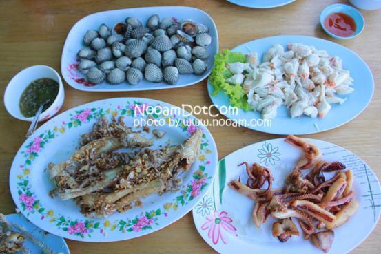 รีวิวร้านอาหาร ครัวลุงหมึก ปลาหลอด ซีฟู๊ด (Seafood) ประจวบคีรีขันธ์