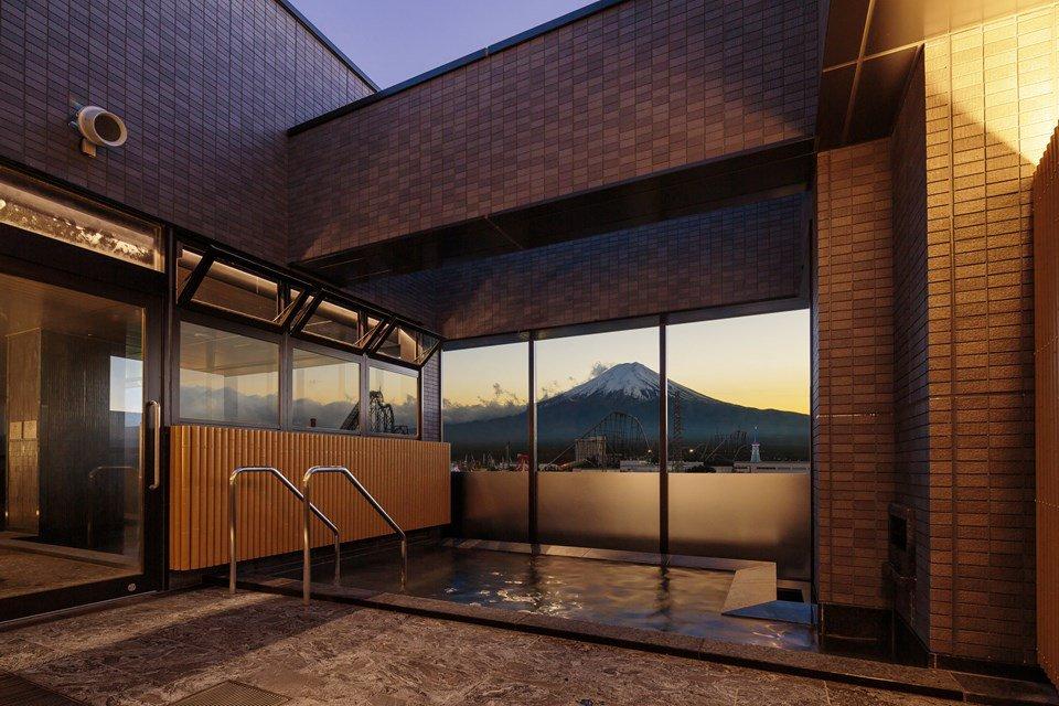 รีวิว HOTEL MYSTAYS Fuji โรงแรมวิวภูเขาไฟฟูจิที่สวยที่สุด พร้อมออนเซนวิวหลักล้าน ใกล้สวนสนุกฟูจิคิว